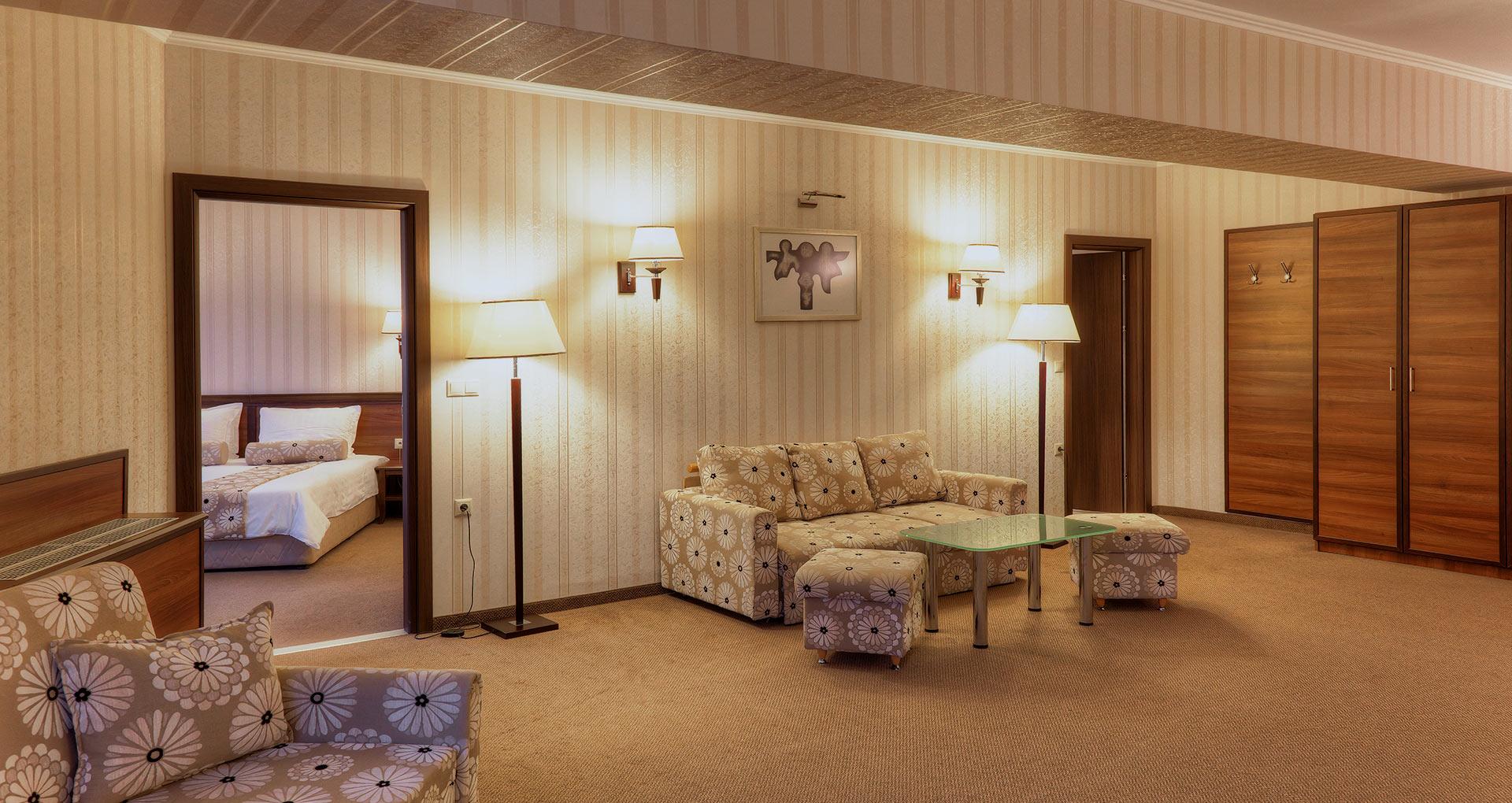 hotel-kalina-palace-tryavna-apartment-1